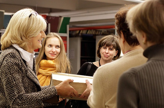 Библиодень в Химках  Все экскурсии по традиции начинались с отдела диссертаций Его фонд собирается с 1944 года и сегодня насчитывает свыше миллиона документов